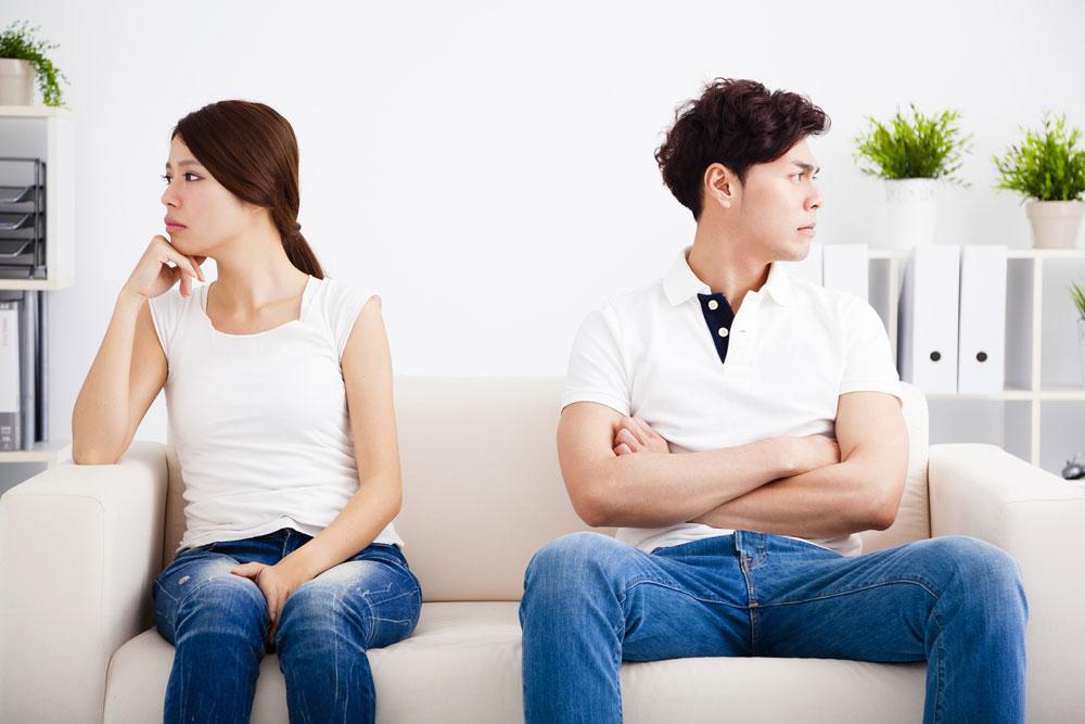 浮気で喧嘩中のカップル