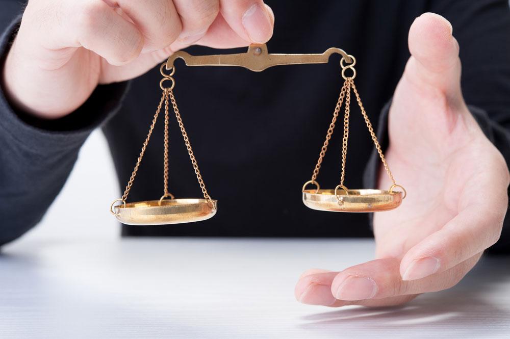 不倫に関する法律の知識が必要な場合は弁護士への相談がオススメ