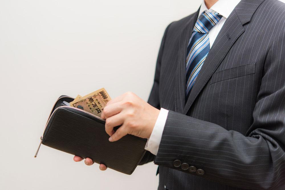 離婚後の支払いがかさんで金欠になる男性
